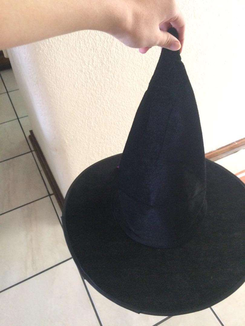 Witch hats X2 0