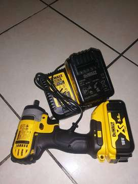 DEWALT  DCF 880 18V COMPACT IMPACT WRENCH (NEW)