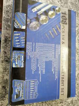 108 pcs 1/4 & 1/2 socket & bit set