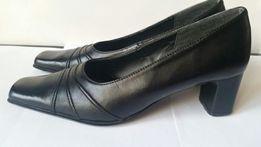 Piękne SKÓRKOWE buty na obcasie Gruby obcas czarne rozmiar 38 botki