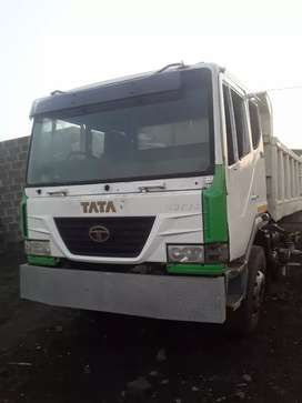 Tata 10cm tipper  stripping for spares