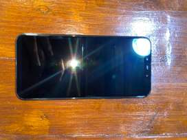 Huawei Mate 20 in immaculate condition for sale.