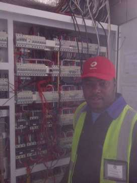 Elconop 3 electrician looking for a job