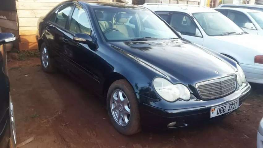 C200 available for sale 0