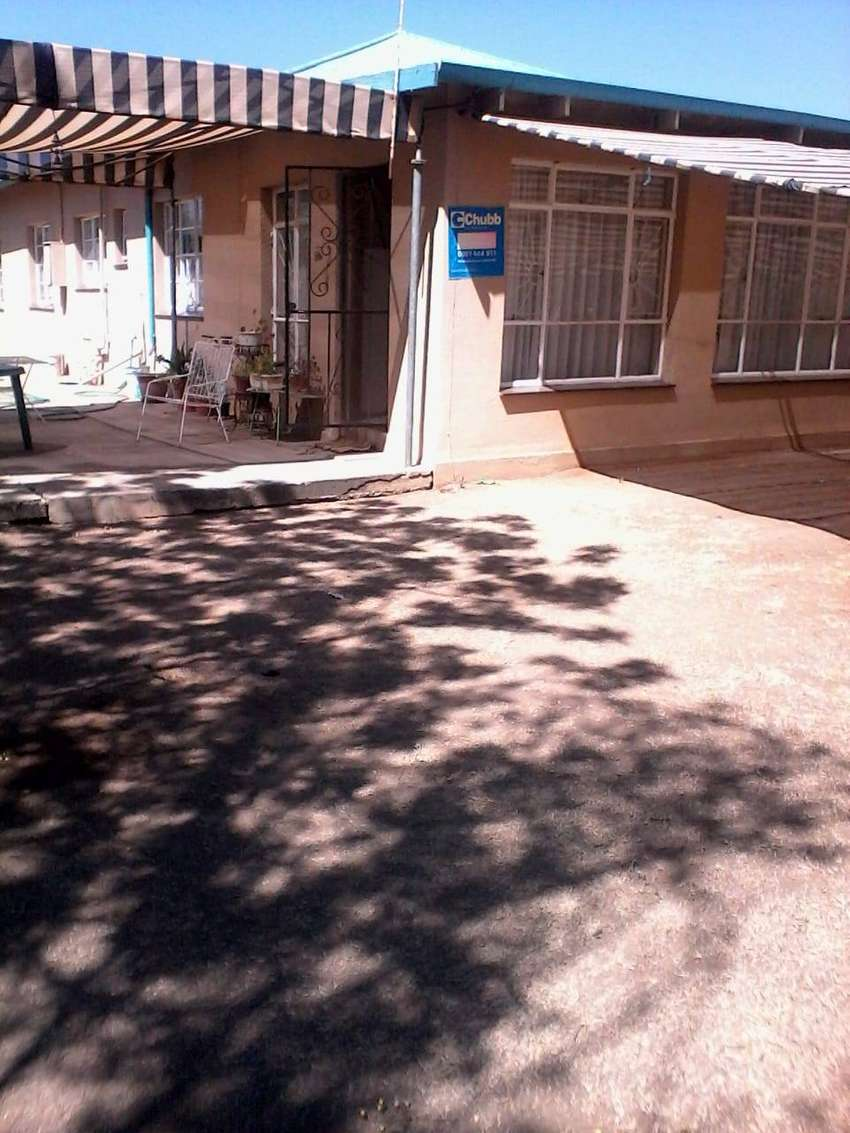 House for sale, privatly by owner. Location Theunissen Free state 0