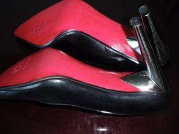 Туфли дизайнерские от Stuart Weitzman.