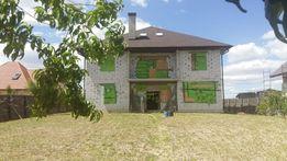 Дом 280 м.кв. с коммуникациями 16 соток возле леса с. Новое