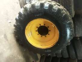 Truck tlb payloder and tractor tyre side wall repairs and vulcunising