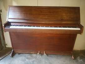 Monington and Western Piano