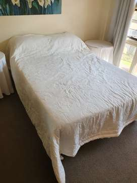 Cream Double Bed Quilt