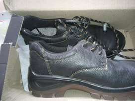 Safety boot Bova Only size 6
