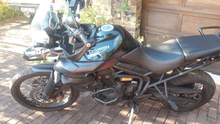 Triumph Tiger 800 XC Triple with ABS 0