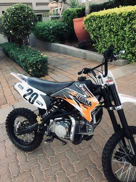 selling both bikes for R14,000 great conditions