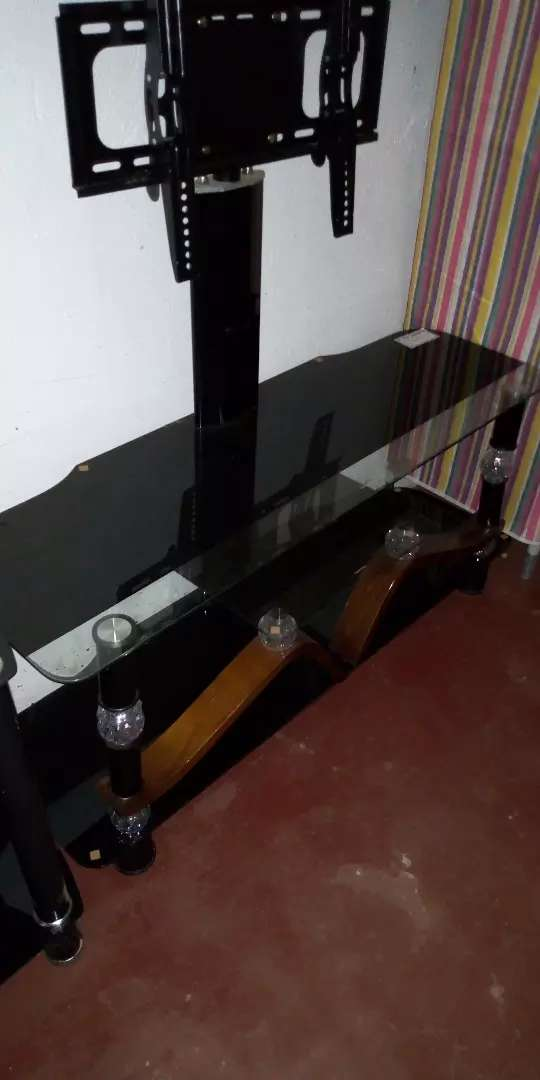 Glass TV stand 0