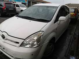 Toyota Verso BREAKING UP 4 PARTS