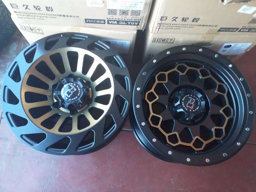 Rhino Bakkie Brand new alloy mags size 17+brand new Dunlop Tyres 0