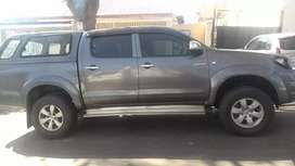 TOYOTA HILUX DOUBLE CAB 3.0D4D WITH CANOPY