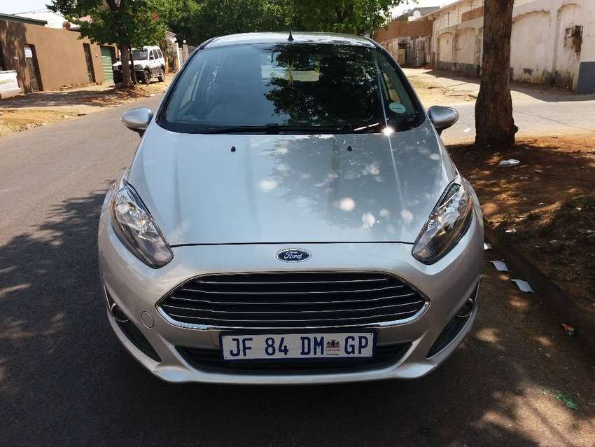 2016 Ford Fiesta 1.0 Ecoboot FSH Service Book 0
