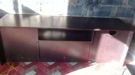 I m selling my TV stand