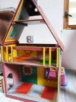 Drewniany domek dla lalek ręcznie robiony
