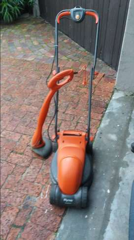 Flymo lawnmower and edgetrimmer