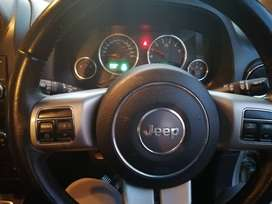 Jeep patriot 2.4 limited 4x4 2013 model with sport features
