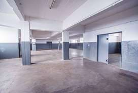 Spacious Industrial unit to rent in Main Reef Denver