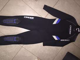 Cressi wetsuit and Gloves / Mares Booties / Snorkel and Mask