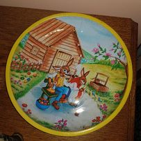 blaszany talerz z zajczkiem