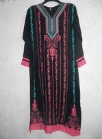 Платье длинное туника абая вышиванка чёрное розовая вышивка коттон
