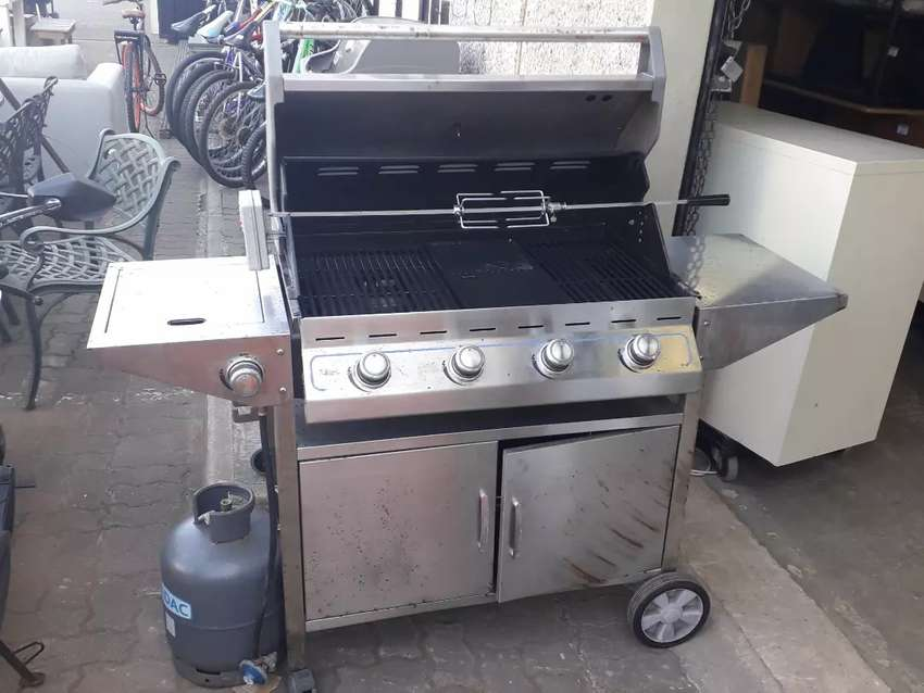 Cadac gas braai with rotisserie and gas bottle R3450 0