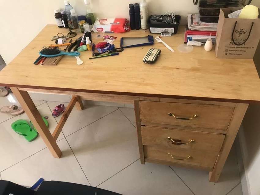 Study table used only for 4 months 0