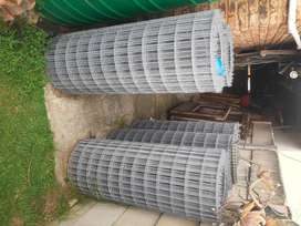Square Welded Light Galvanised Wire Mesh Fencing