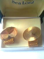 продам запонки под золото