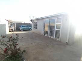 Neat House in the heart of Soweto
