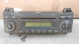 MERCEDES-BENZ VITO W639 CD AND RADIO PLAYER FOR SALE