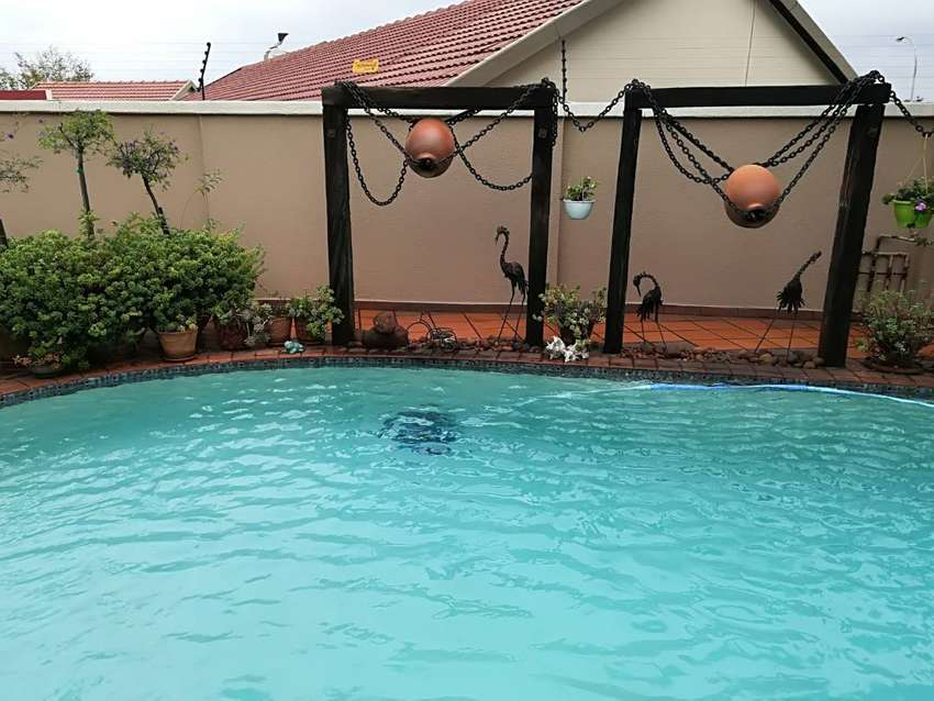 Stunning two bedroom cottage  Farrarmere,Benoni available immediately 0