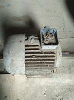електродвигун трохфазний