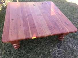 Oregon pine coffee table R550