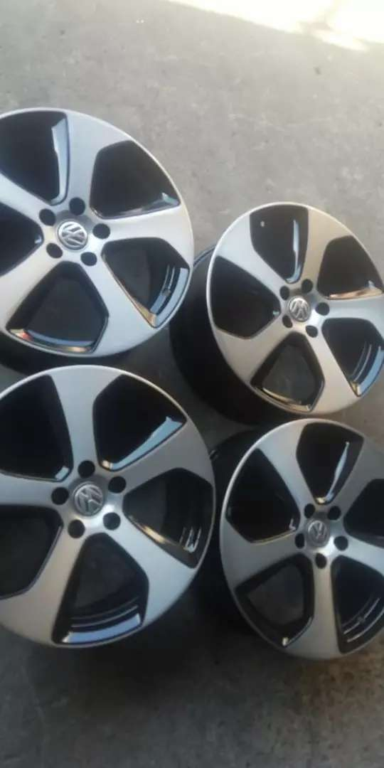 18 inch  clean original Golf 7 GTI rims pcd 5/112 0