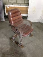 Два кожаных кресла