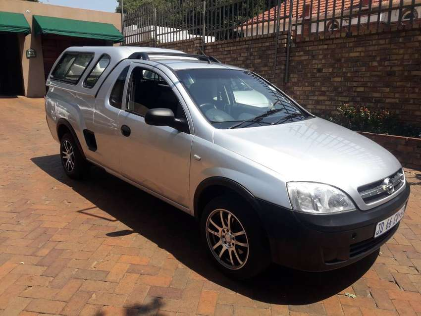 2007 opel corsa utility 1.4 with a canopy for sale 0