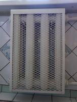 Железная декоративная решетка на чугунную батарею на 4 секции