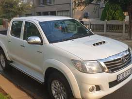 Toyota hilux 2012 model 280000 km automatic