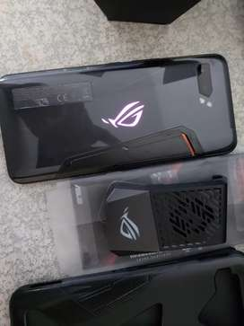 Asus ROG Phone II!! Excellent condition!!