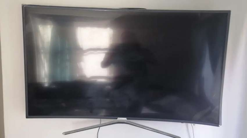 Broken Sumsung 55inch curved smart tv for sale