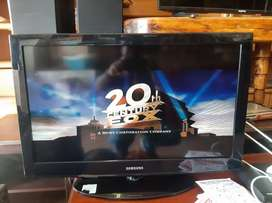 Samsung  32 inch with remote