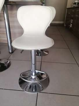 6 Zoe bar stools for sale