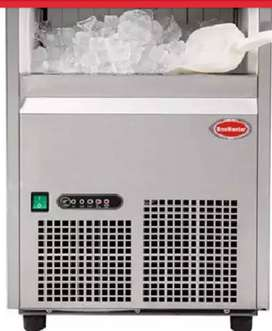 Snomaster 26kg Icemaker with filtration and full connector hoses