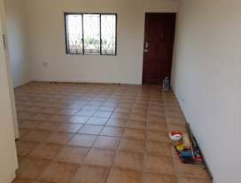 LARGE OPEN PLAN ROOM FOR RENT